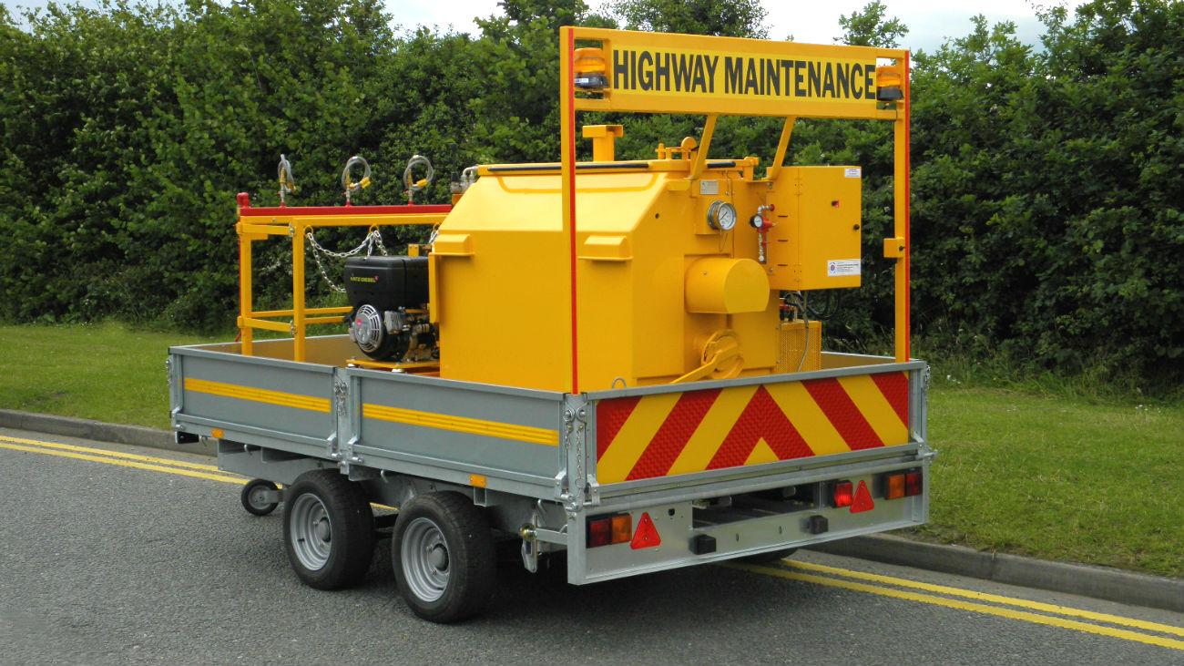 road-lining-trailer-2